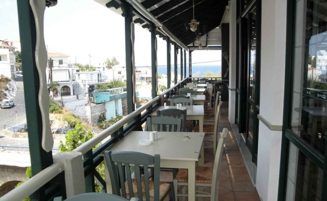 Mary_Mary_Restaurant_Armenistis_Ikaria_01