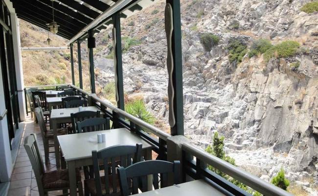 Mary_Mary_Restaurant_Armenistis_Ikaria_05