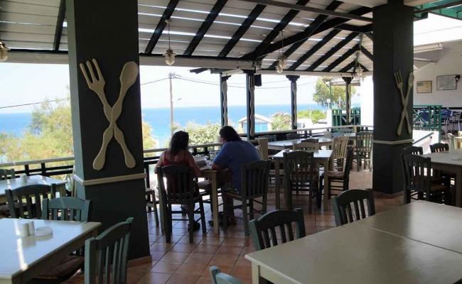 Mary_Mary_Restaurant_Armenistis_Ikaria_03
