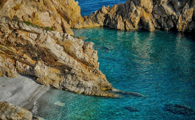 Prioni_beach_Ikaria
