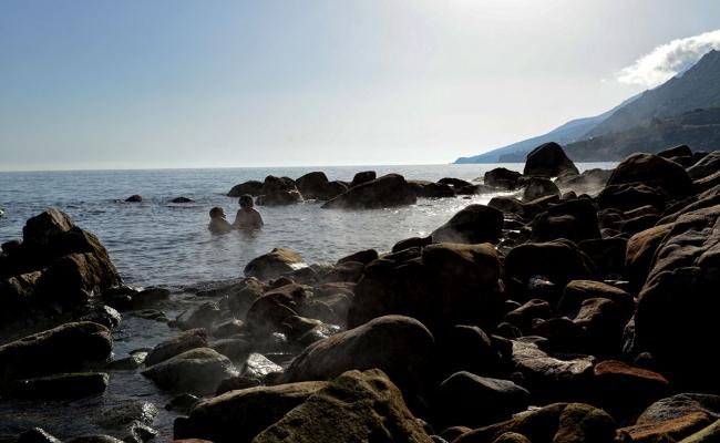 Lefkada_hot_springs_Ikaria