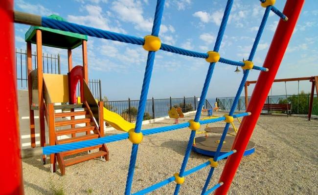 karras-star-hotel-ikaria-playground001