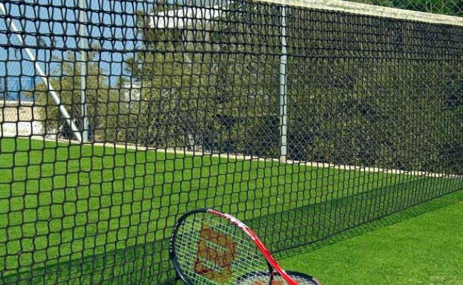 karras-star-hotel-ikaria-tenniscourt001