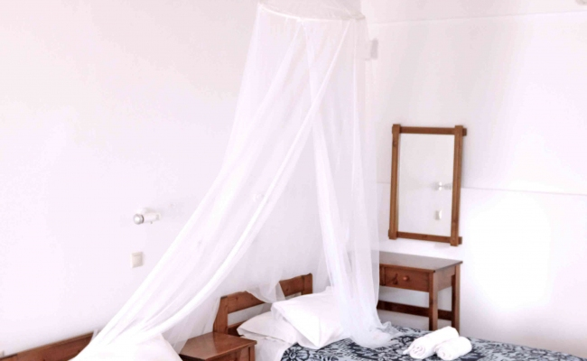eutichia-studios-ikaria-bedroom002